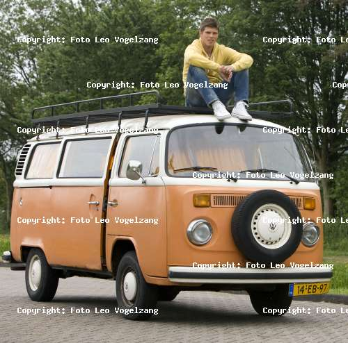 photo of Klaas-Jan Huntelaar Volkswagen DVD 165 - car